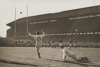 2010-91 England kicking 1938 (350x234)
