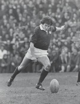 2012-705 Scotland kicking c. 1972 (268x350)