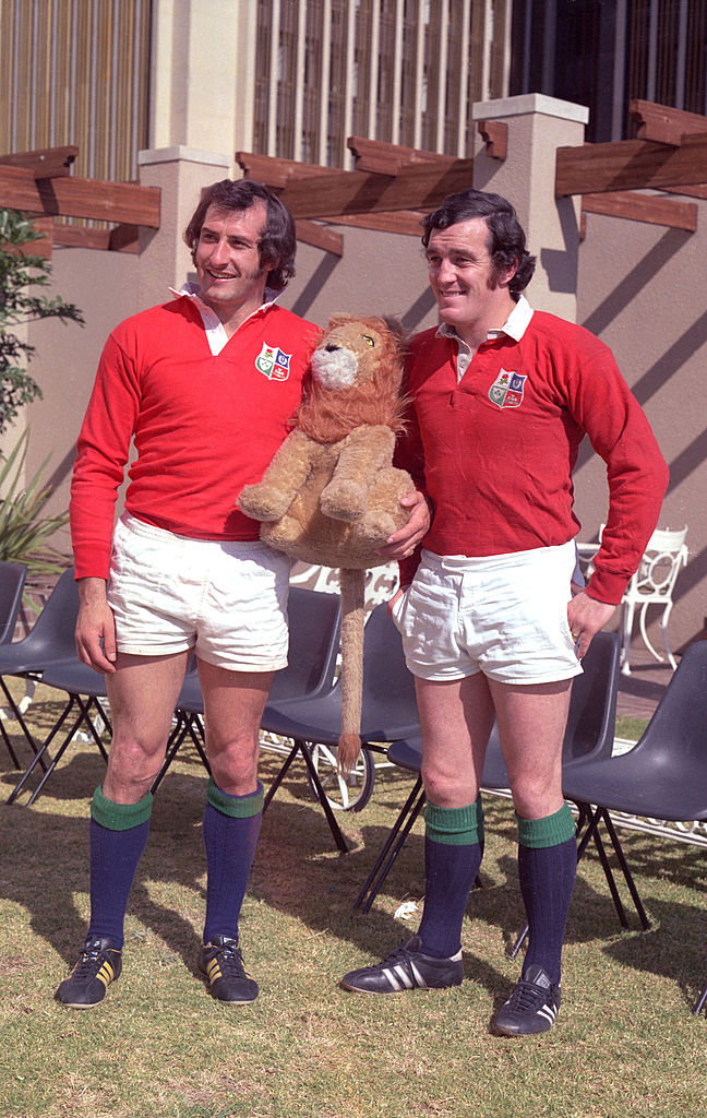 Gareth Edwards, Phil Bennett