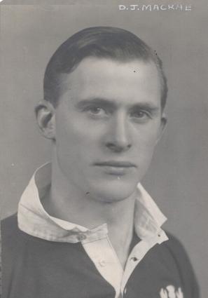 36 Duncan Macrae