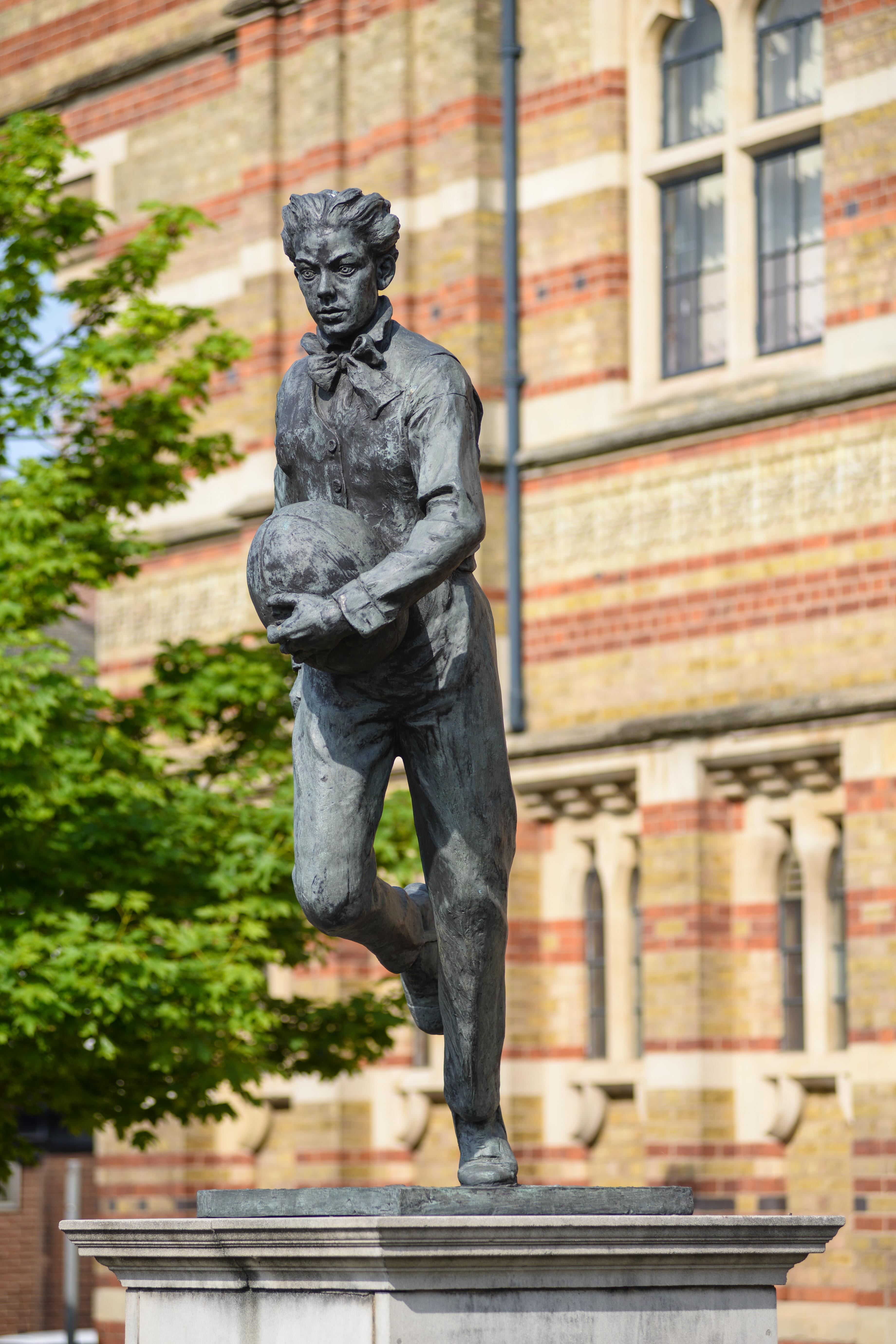 Colour photograph of William Webb Ellis statue